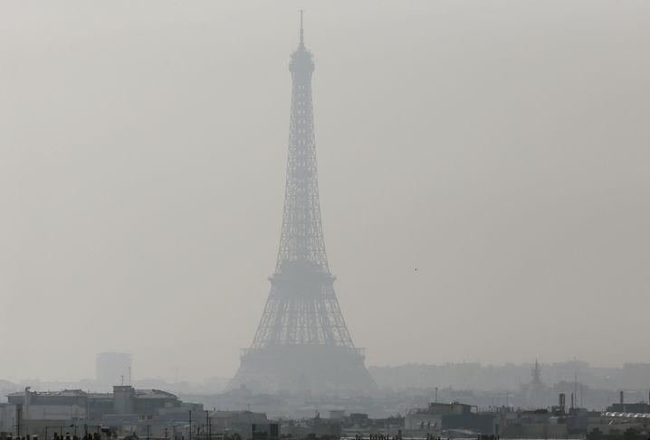 Dicke Luft in Paris: Fahrverbot soll Abhilfe schaffen