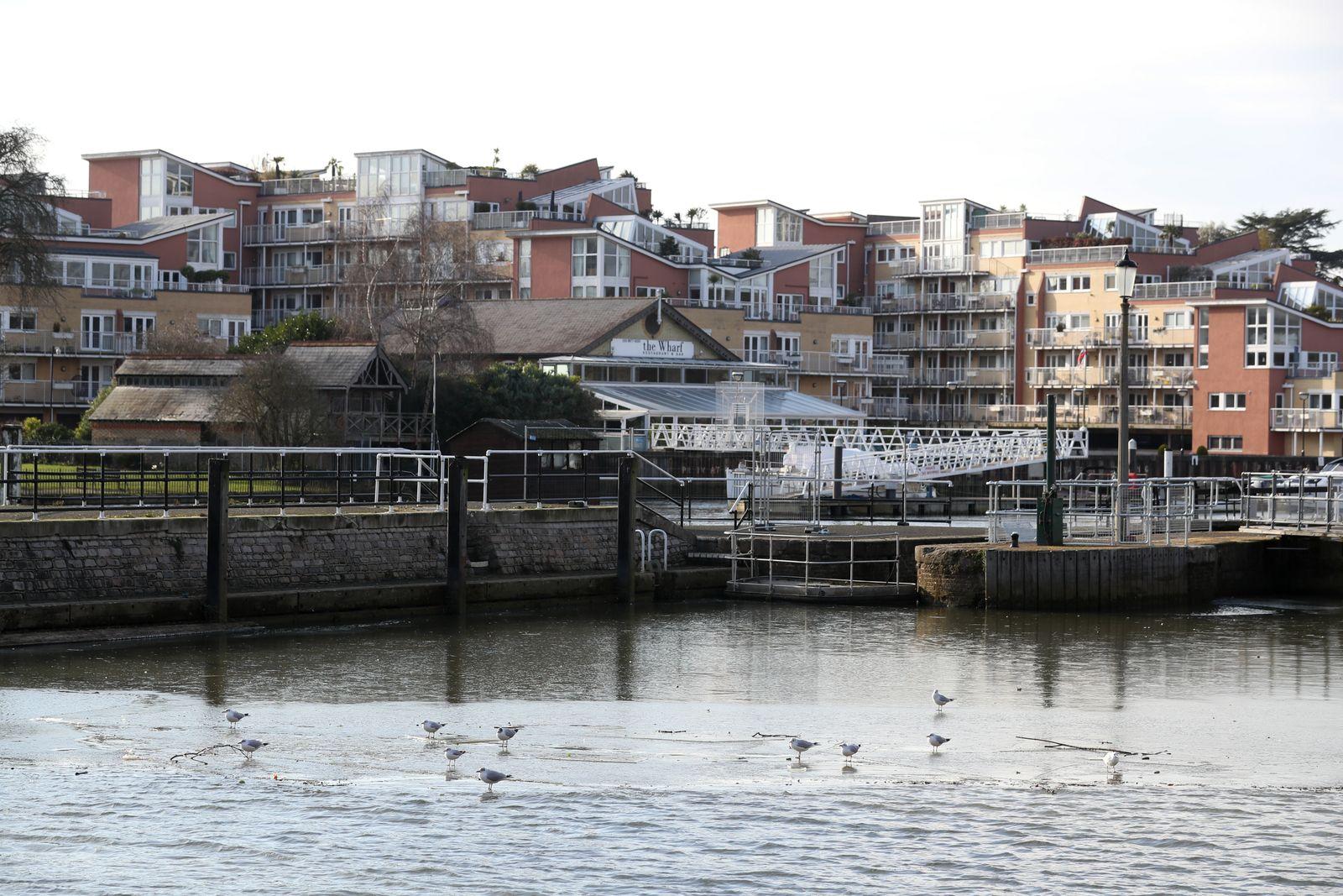 The River Thames Freezes, UK Weather, Teddington, London, UK - 12 Feb 2021