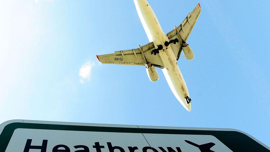 Flugzeug auf dem Weg Richtung Heathrow