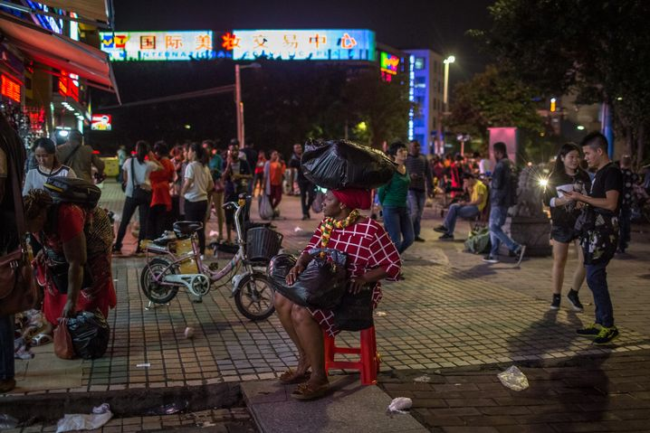 An evening scene at a market in Guangzhou