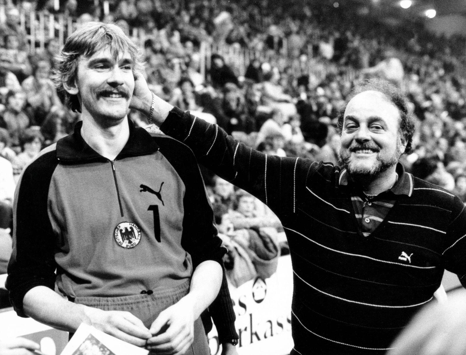 Torwart Andreas Thiel und Bundestrainer Vlado Stenzel (beide BR Deutschland)
