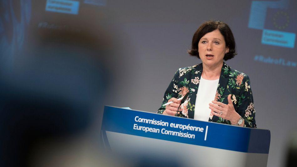 EU-Kommissionsvizepräsidentin Jourová: Drohung an die Adresse Polens