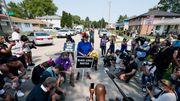 Polizisten nach Schüssen auf schwarzen Mann beurlaubt