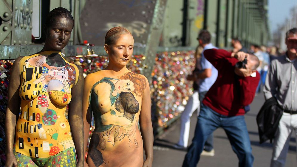 Photo Gallery: Nude Art Project Turns Heads in Cologne