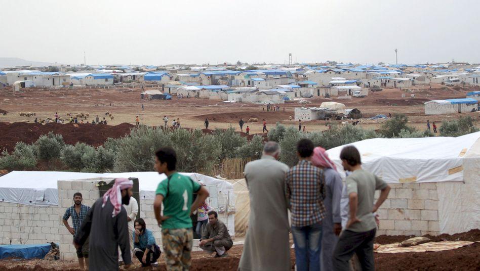 """Innerhalb Syrien Vertriebene im Flüchtlingscamp: """"Spießroutenlauf mit türkischen Grenzbeamten"""""""
