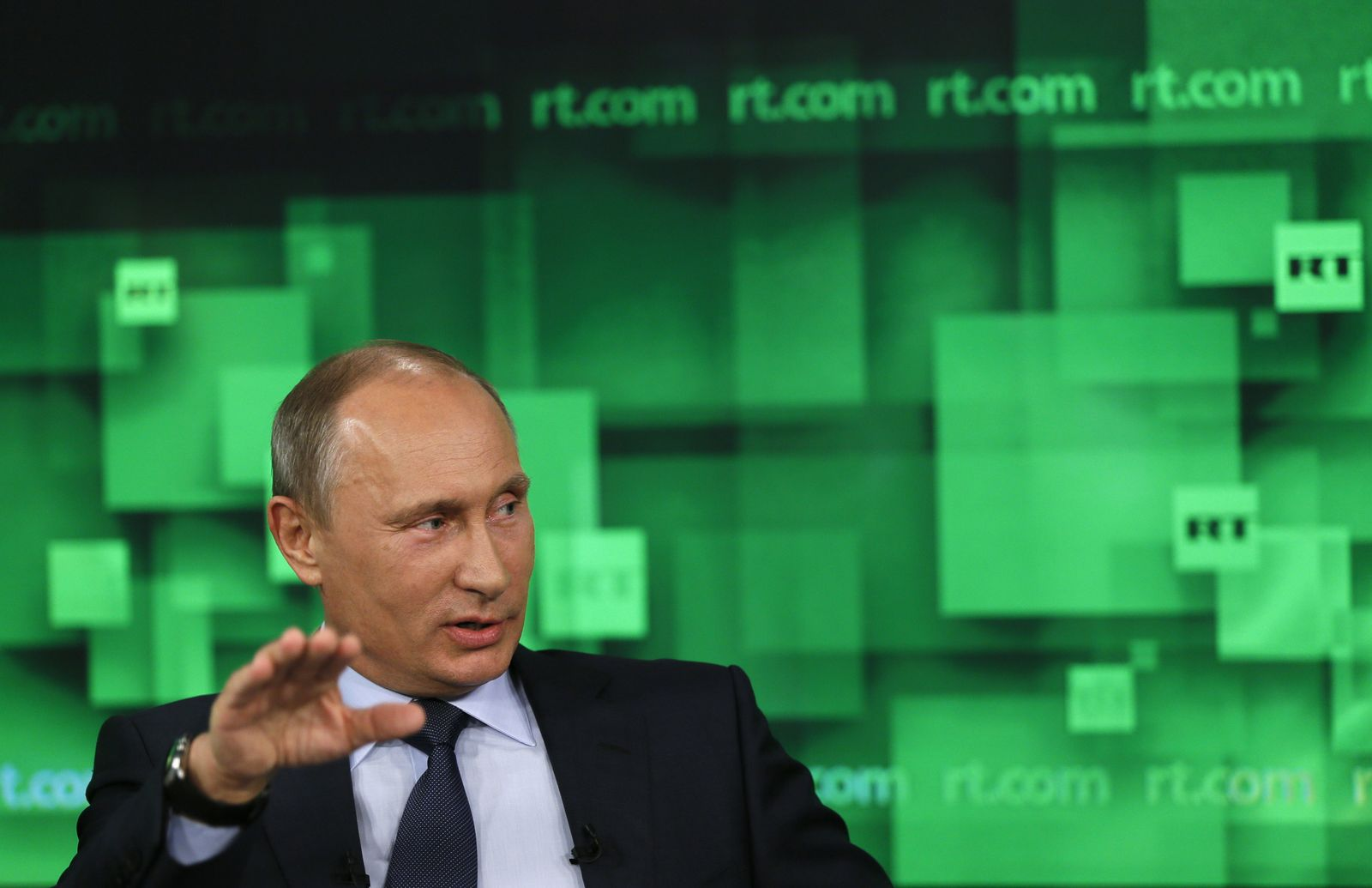 New Book On Vladimir Putin Claims Russian President Flees From People Der Spiegel