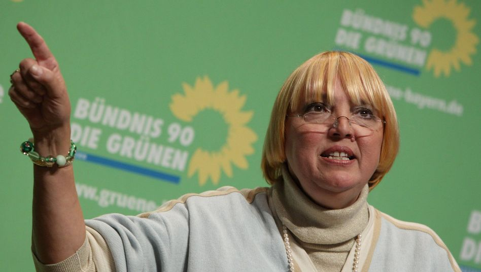Claudia Roth, head of Germany's Green Party, favors more examinations of the nation's wartime past.