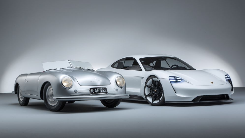 Photo Gallery: Porsche Attempts a New Start