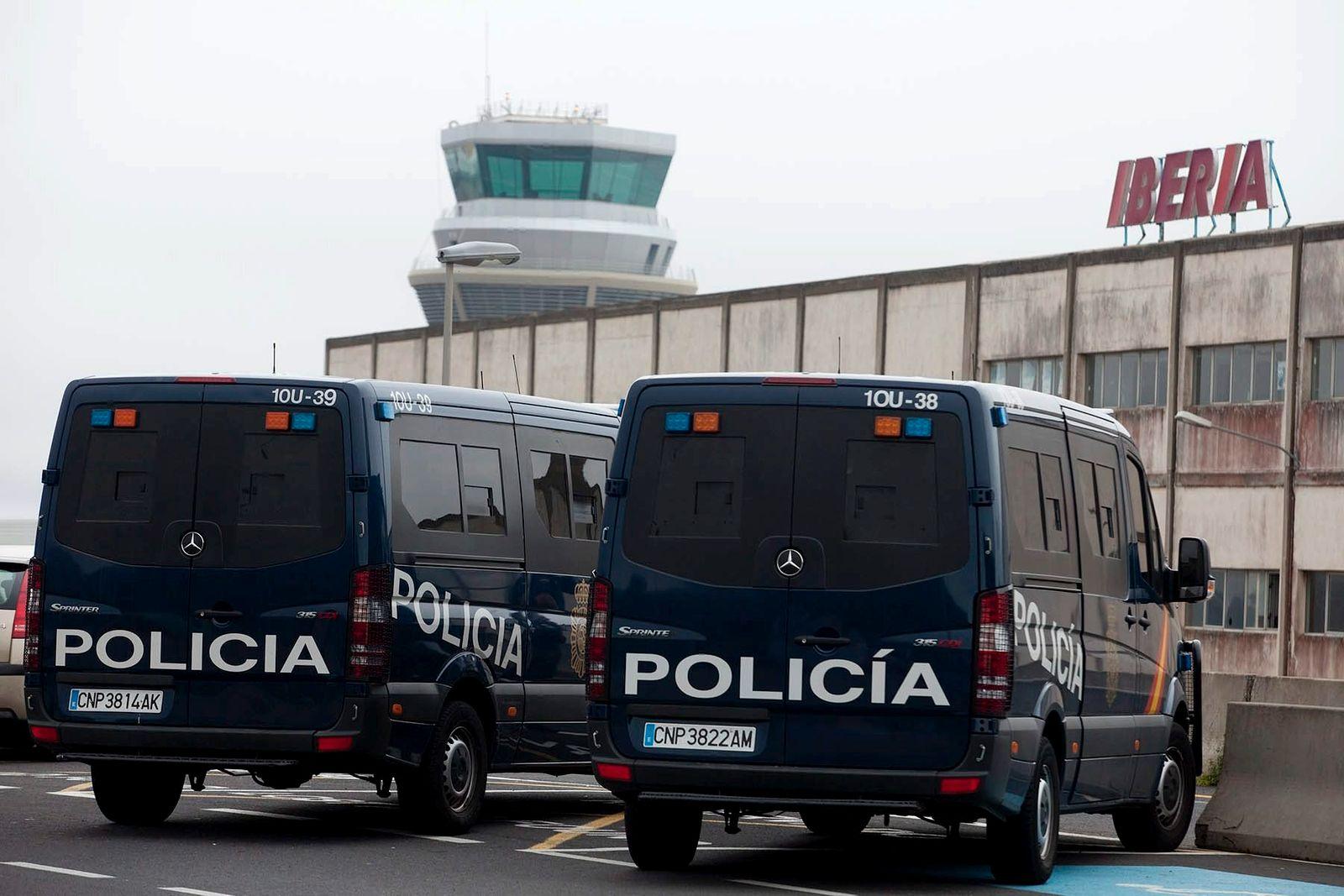 Spanish air traffic controllers strike