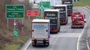 Britische Supermärkte schulen Angestellte zu Lkw-Fahrern um