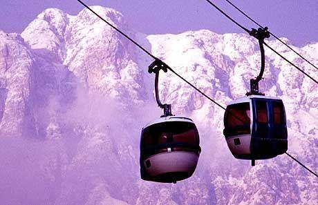 In den Alpen sind Gondeln, wie hier in Latemar, ja nichts besonderes