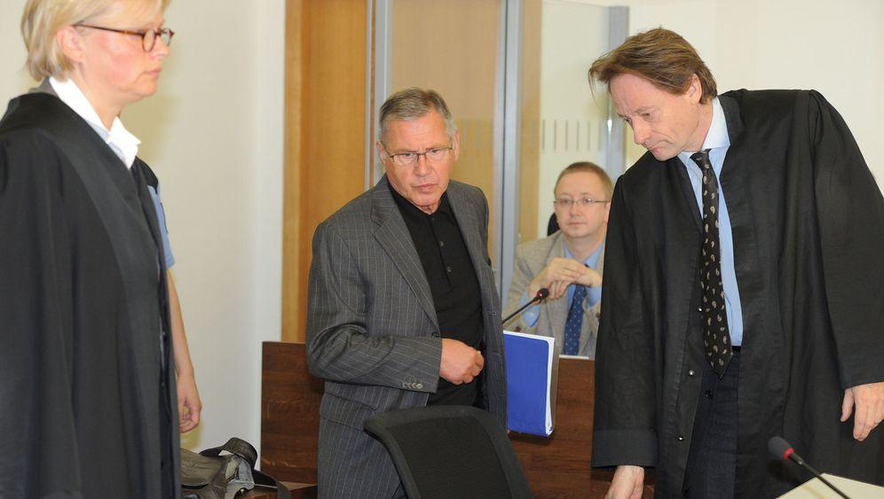 Prozessauftakt: Rätselhafter Mord an Bürgermeister-Gattin