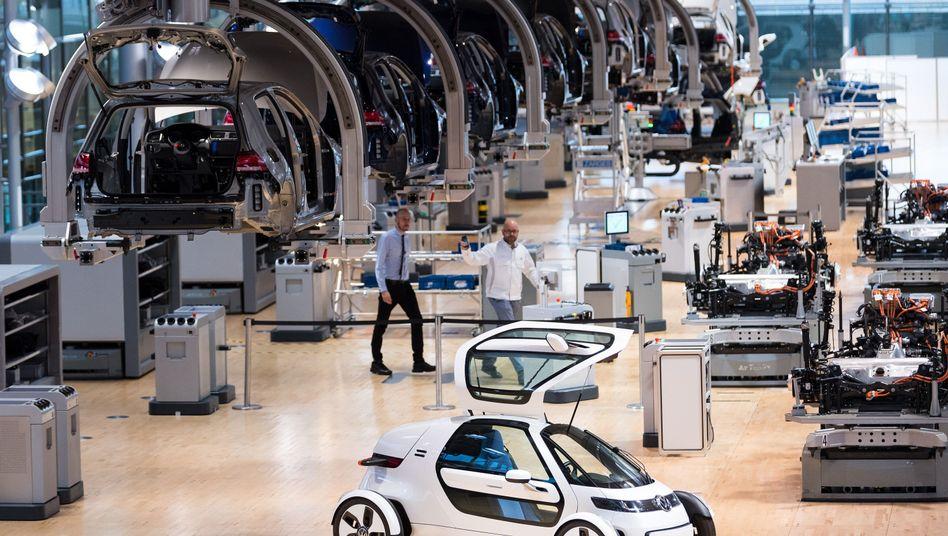 E-Golf-Produktion in der Gläsernen Fabrik in Dresden