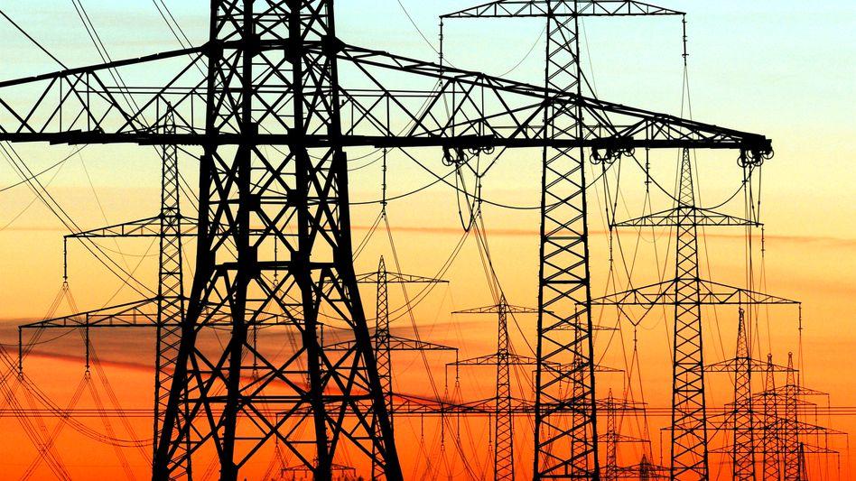 Strommasten: Hysterische Debatte um Netzausbau