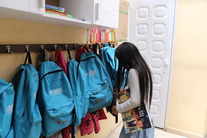 Arnelis hat einen eigenen UNHCR-Rucksack