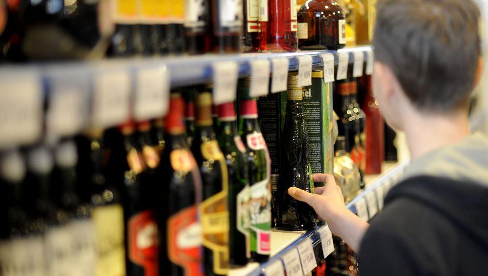 Alkoholkonsum: Jugendliche greifen gern zur Flasche
