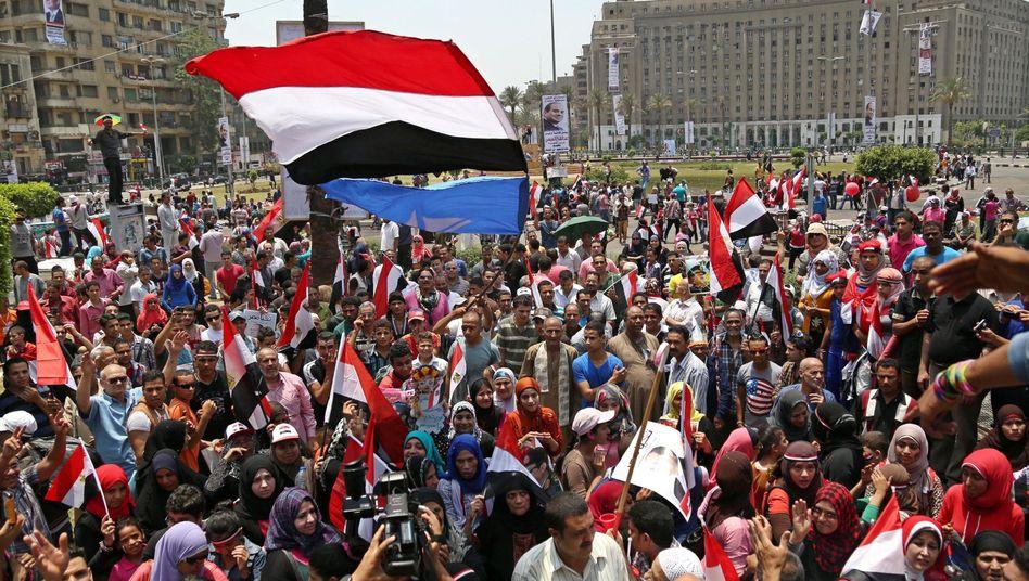 Feiern zu Sisis Amtseinführung: Erneut Übergriffe auf Frauen