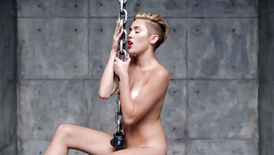 """Miley Cyrus im """"Wrecking Ball""""-Video: Sex sells, aber sexy geht anders"""