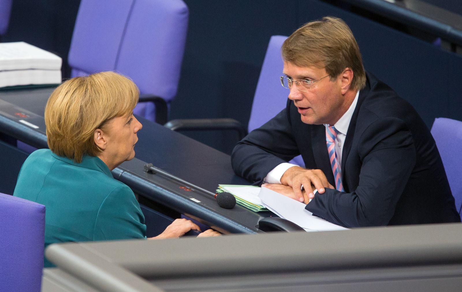 Bundestag Pofalla Merkel