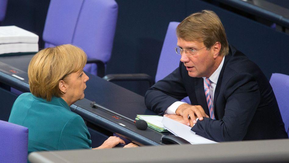 """Kanzlerin Merkel und der damalige Kanzleramtschef Pofalla im September 2013: """"Aus wahltaktischen Gründen eindeutig die Unwahrheit gesagt"""""""