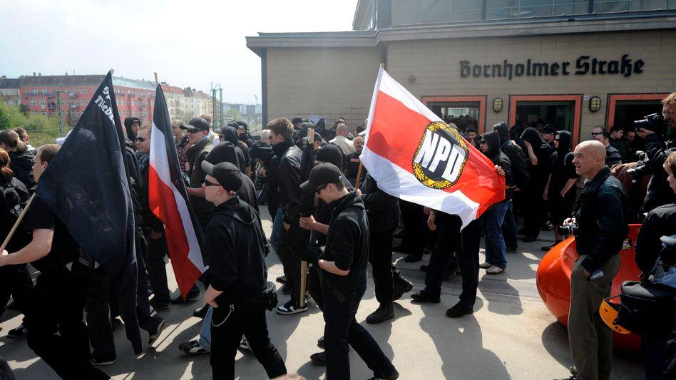 Rechtsextreme am 1. Mai in Berlin: Weniger strafbare Seiten, mehr Community