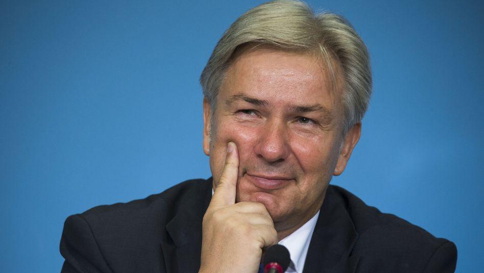 Klaus Wowereit: Setzt erneut zur Landung im BER-Aufsichtsrat an