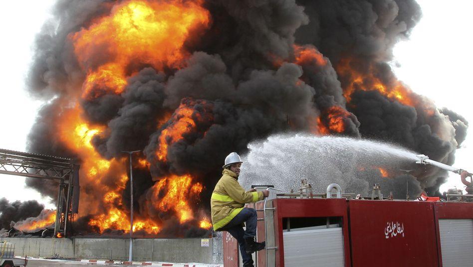 Krieg in Nahost: Israels Armee beschießt einzigesElektrizitätswerkin Gaza