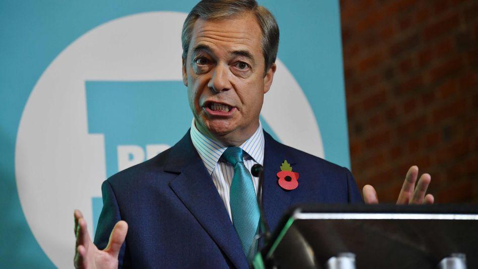 Brexit-Partei-Chef Nigel Farage stellt in London seine Wahlkampagne vor. Die Tories sollen ihm helfen