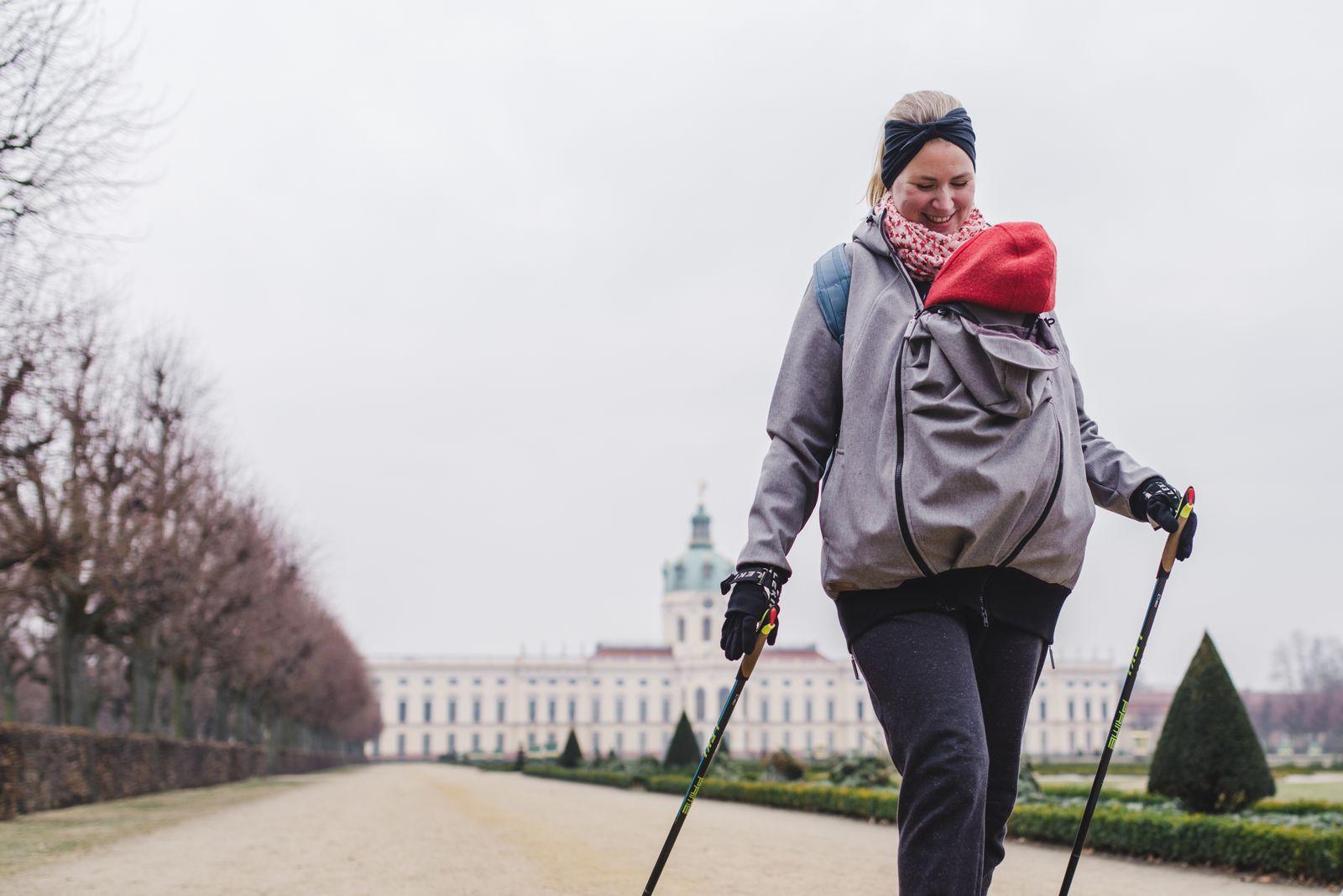 EINMALIGE VERWENDUNG Nordic Walking mit Baby
