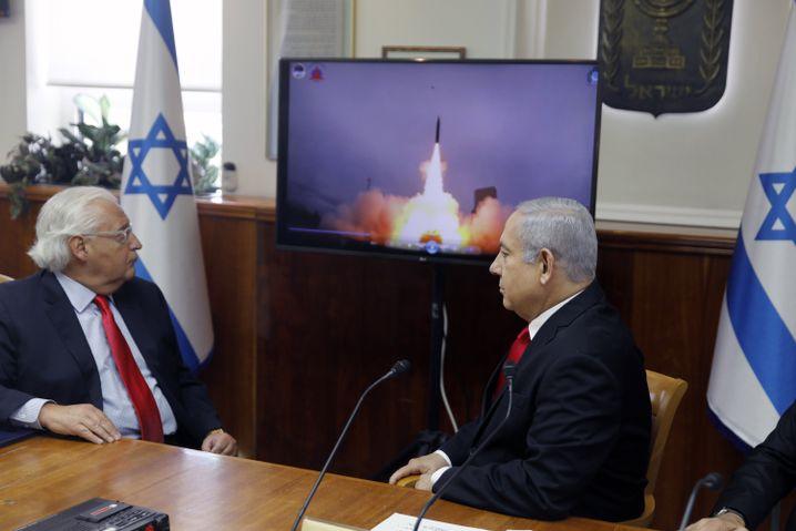 """""""Arrow-3"""" auf dem Schirm: Israels Premier Netanyahu und US-Botschafter Friedman in Israel"""