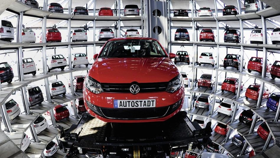 Auslieferung eines VW Polo in Wolfsburg: »Etwas ins Schleudern geraten«
