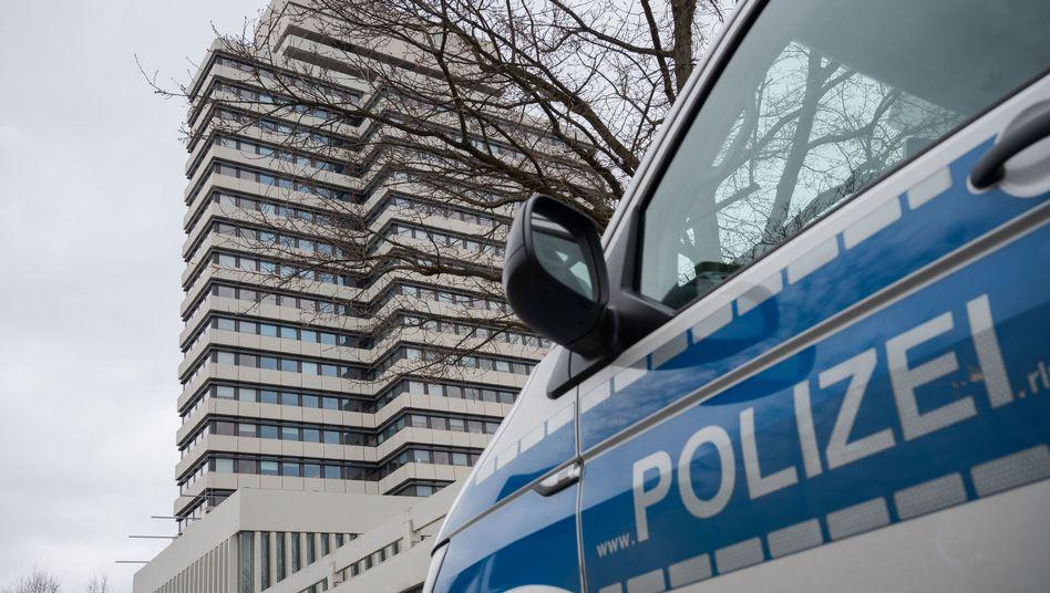 Rathaus in Kaiserslautern: Nach Bombendrohung im März geräumt