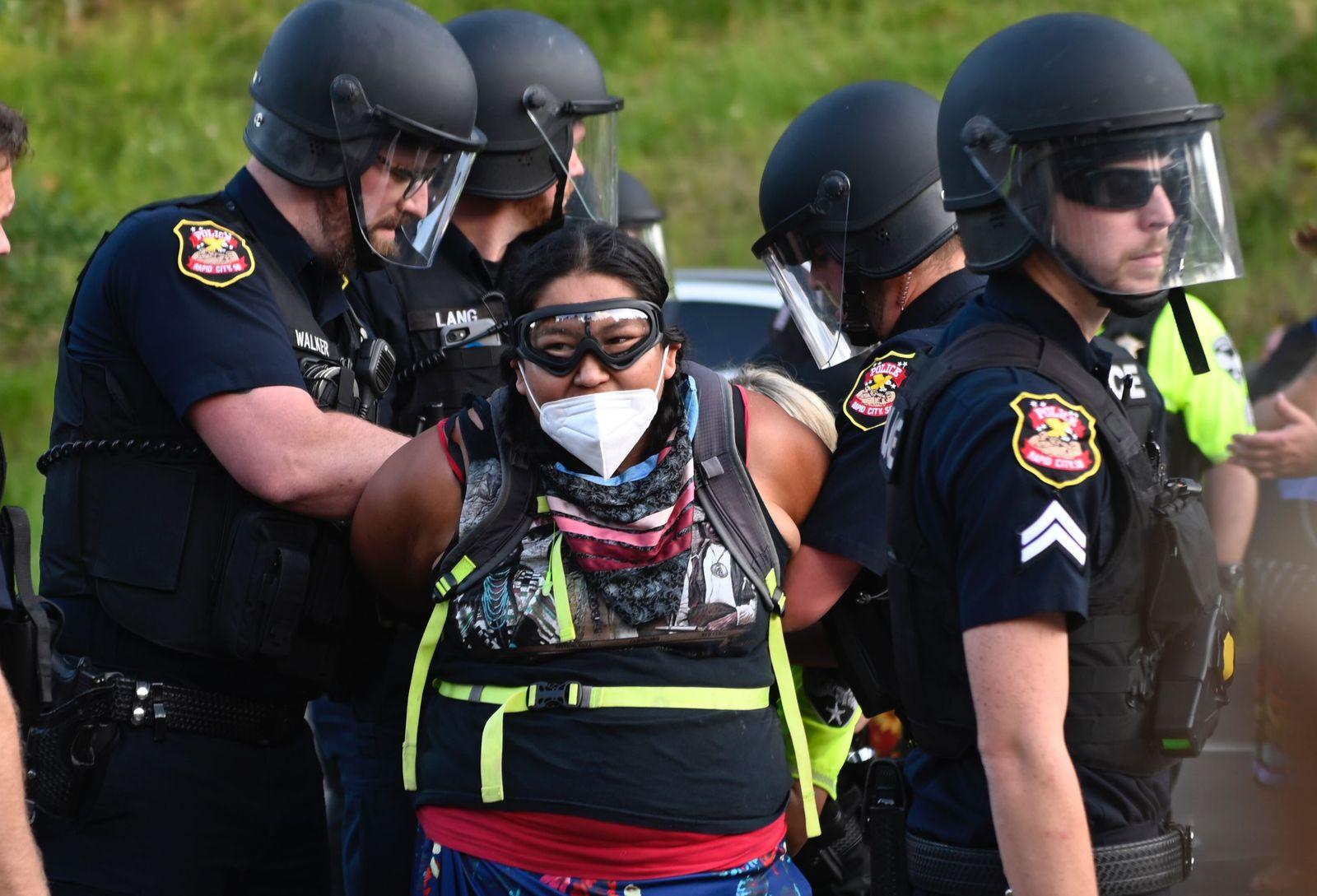 US-HOLIDAY-POLITICS-TRUMP-PROTEST