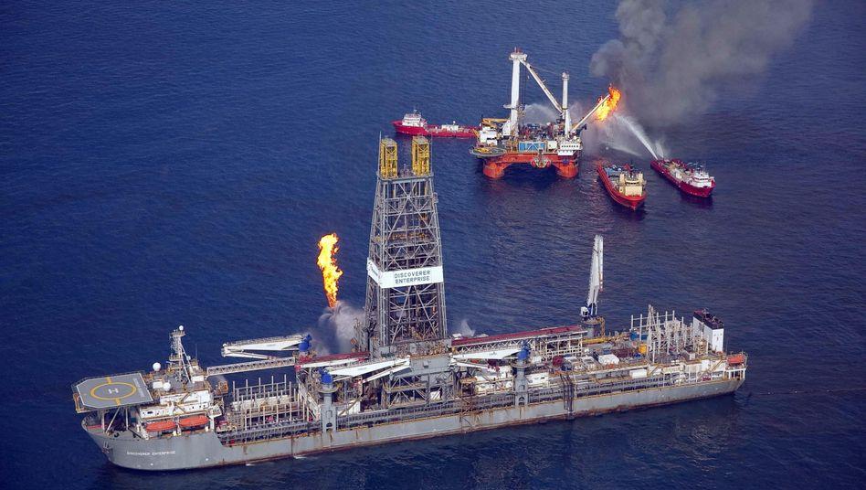 BP versucht mit allen Mitteln der Ölpest Herr zu werden - das treibt die Kosten nach oben
