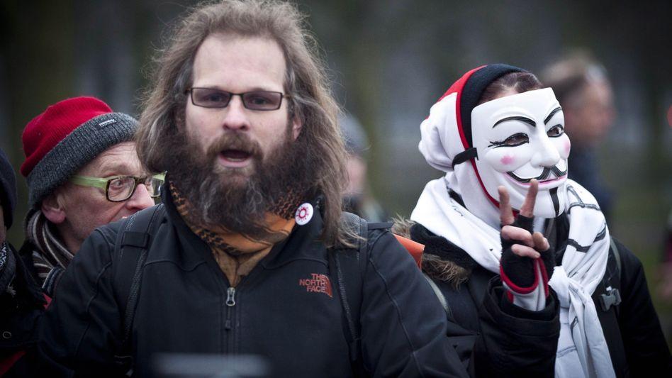 Demonstrant mit Guy-Fawkes-Maske: Protestbewegung aus dem Chaos des Netzes