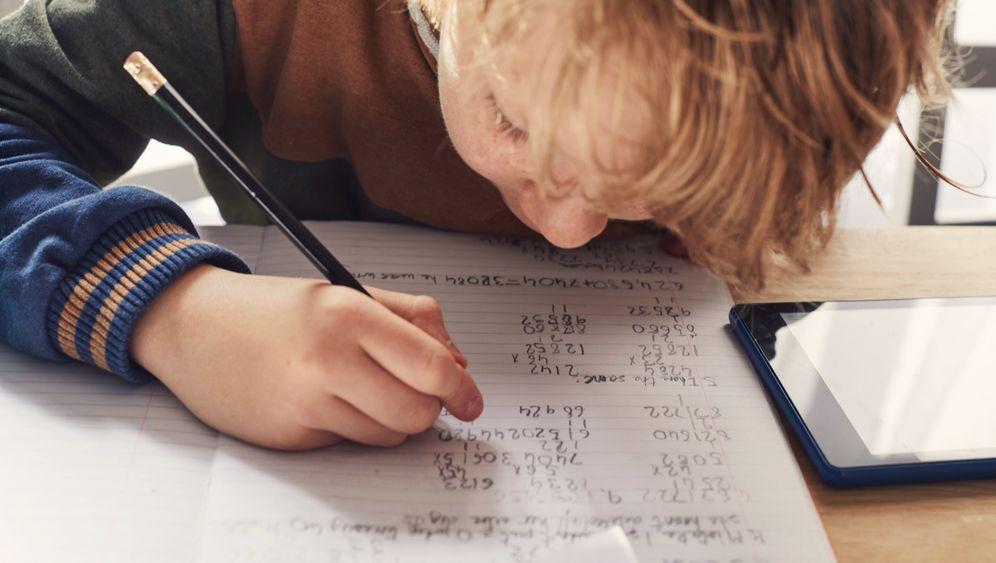 Schulkind: »Schulen haben eine wichtige Kontrollfunktion« (Symbolbild)