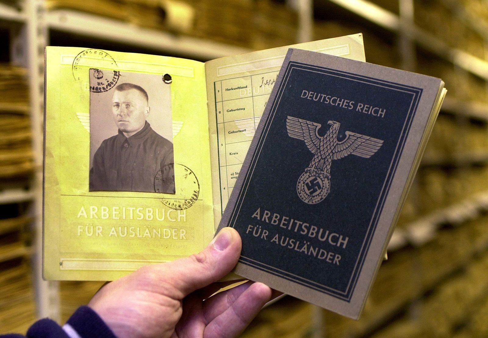 Arbeitsbücher von NS-Zwangsarbeitern