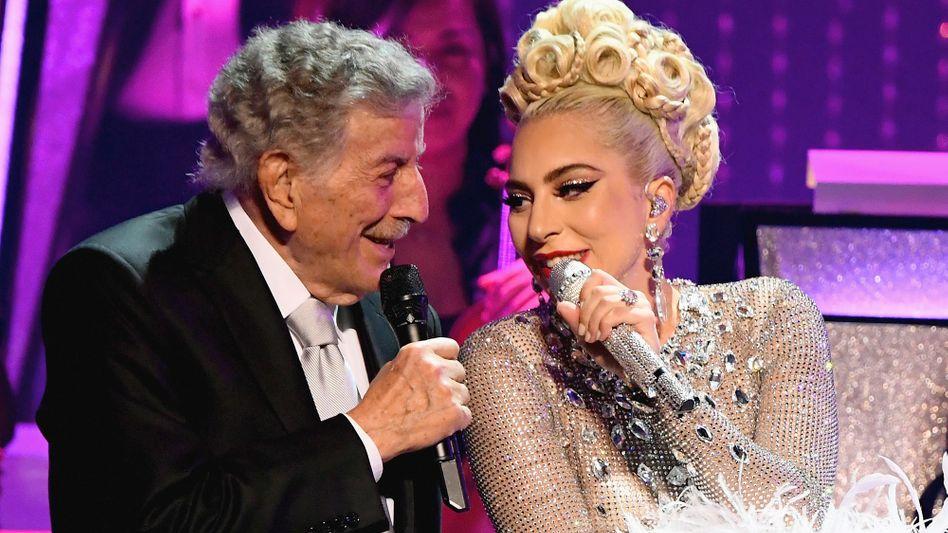 Bennett und Gaga im Duett (Archivbild aus Las Vegas 2019): Hilfreiche Effekte bei der Alzheimer-Erkrankung