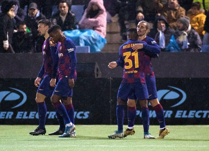 Erschöpft, aber erfolgreich: Trotz schwacher Leistung gewinnt der FC Barcelona auf Ibiza