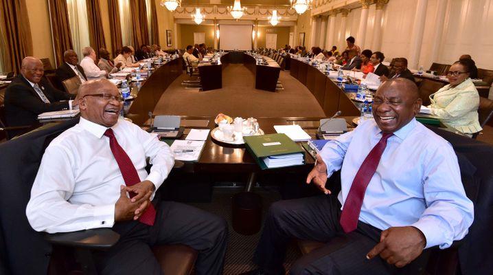 Präsident Zuma und Vize Ramaphosa am 7. Februar bei einer Kabinettsitzung