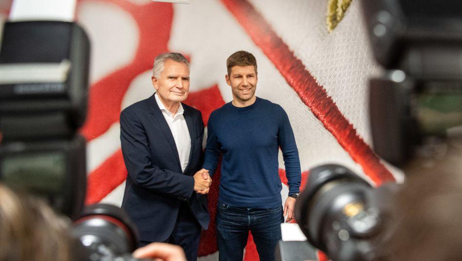 VfB-Präsident Dietrich (l.), Sportvorstand Hitzlsperger