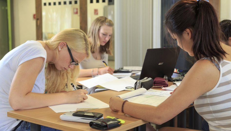Internationale Studentinnen an der Bergakademie Freiberg (Archivbild)