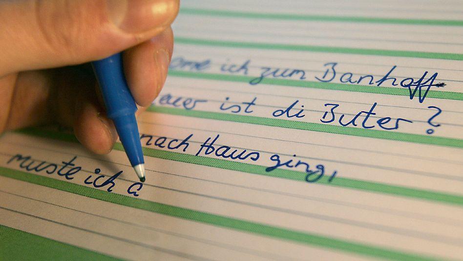 Übungsheft eines Analphabeten: Wer nicht lesen kann, hat es besonders schwer