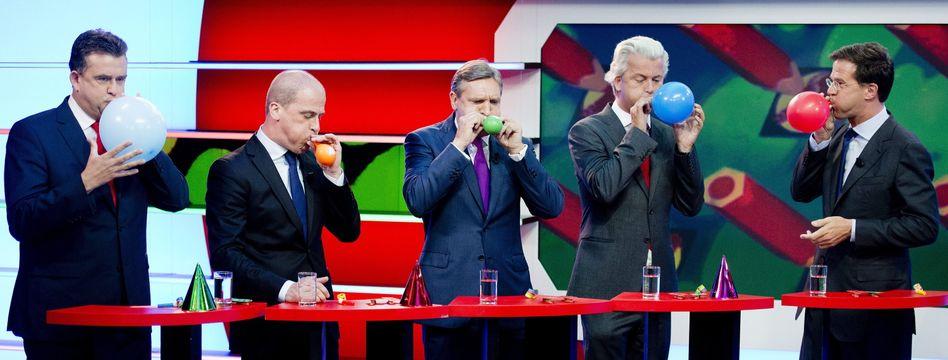 Spitzenpolitiker Samson, van Buma, Wilders, Rutte (v.l.): Puzzle-Arbeit droht