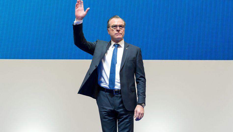 Schalkes Präsident Clemens Tönnies bei der Mitgliederversammlung vom Schalke 04