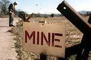 """Ob im Kosovo, Angola, Tschetschenien oder Afghanistan: Minen """"vergiften"""" das Land noch für Jahre"""