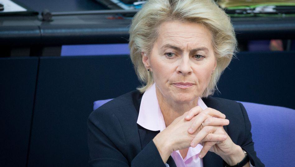 """Ministerin von der Leyen: """"Für sie gilt die Unschuldsvermutung"""""""