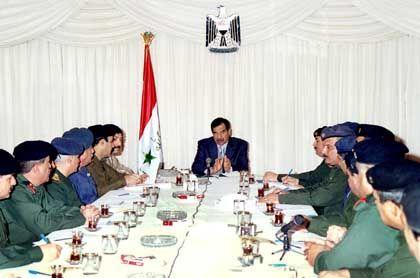 Staatschef Saddam vor dem irakischen Revolutionsrat (Januar 2003)