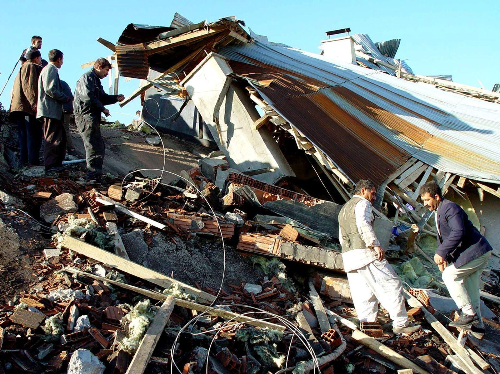 Schwerstes Erdbeben seit Jahren in der Türkei