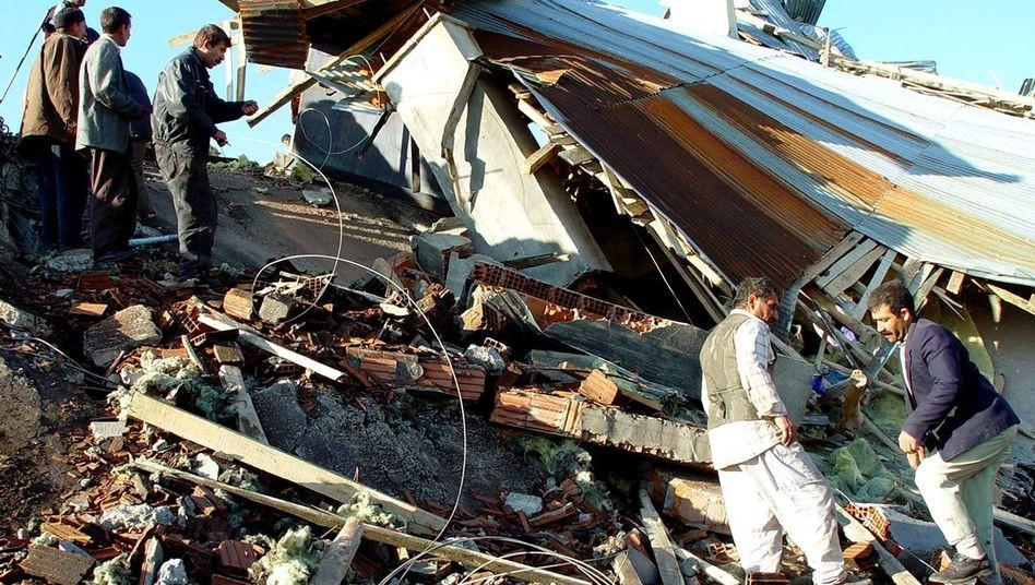 Erdbebenfolgen in der Türkei (Mai 2003): Regierung will sichere Städte bauen